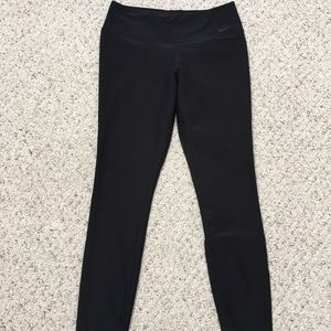 Nike dri-fit black leggings w/ pocket